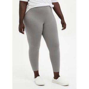 🆕 Grey Crop Premium Legging 1X 14 16 NWT Torrid